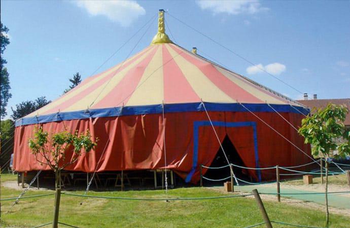 Image chapiteau-cirque Arts du cirque Classe de découverte Côté Découvertes