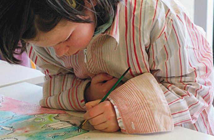 Image dessin-enfant-sur-les-traces-de-gauguin Classe de découverte Côté Découvertes