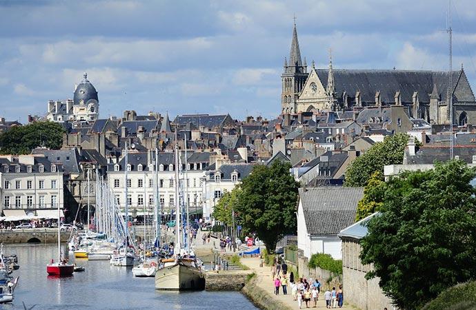 Image vannes-port Classe de découverte Côté Découvertes